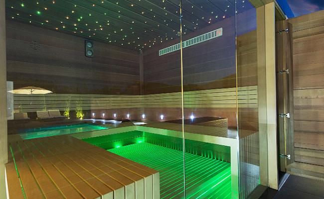 Moderní-venkovní-sauna-2-650x400