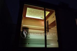 Saunová-kabina-noční-foto